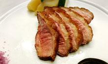 鴨肉のステーキ 血糖値を下げる青紫蘇ソース