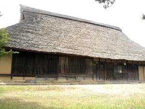 関金の茅葺き屋根