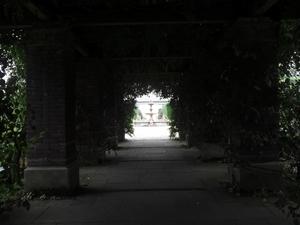 トンネルから、宍道湖を