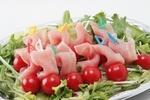 生ハムとミニトマト