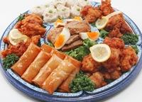 たっぷり若鶏の唐揚げと三種の中華